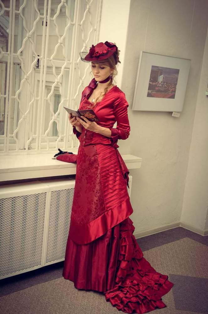 kopie z dark_red_victorian_dress_by_aquilina_das-dbgvmst